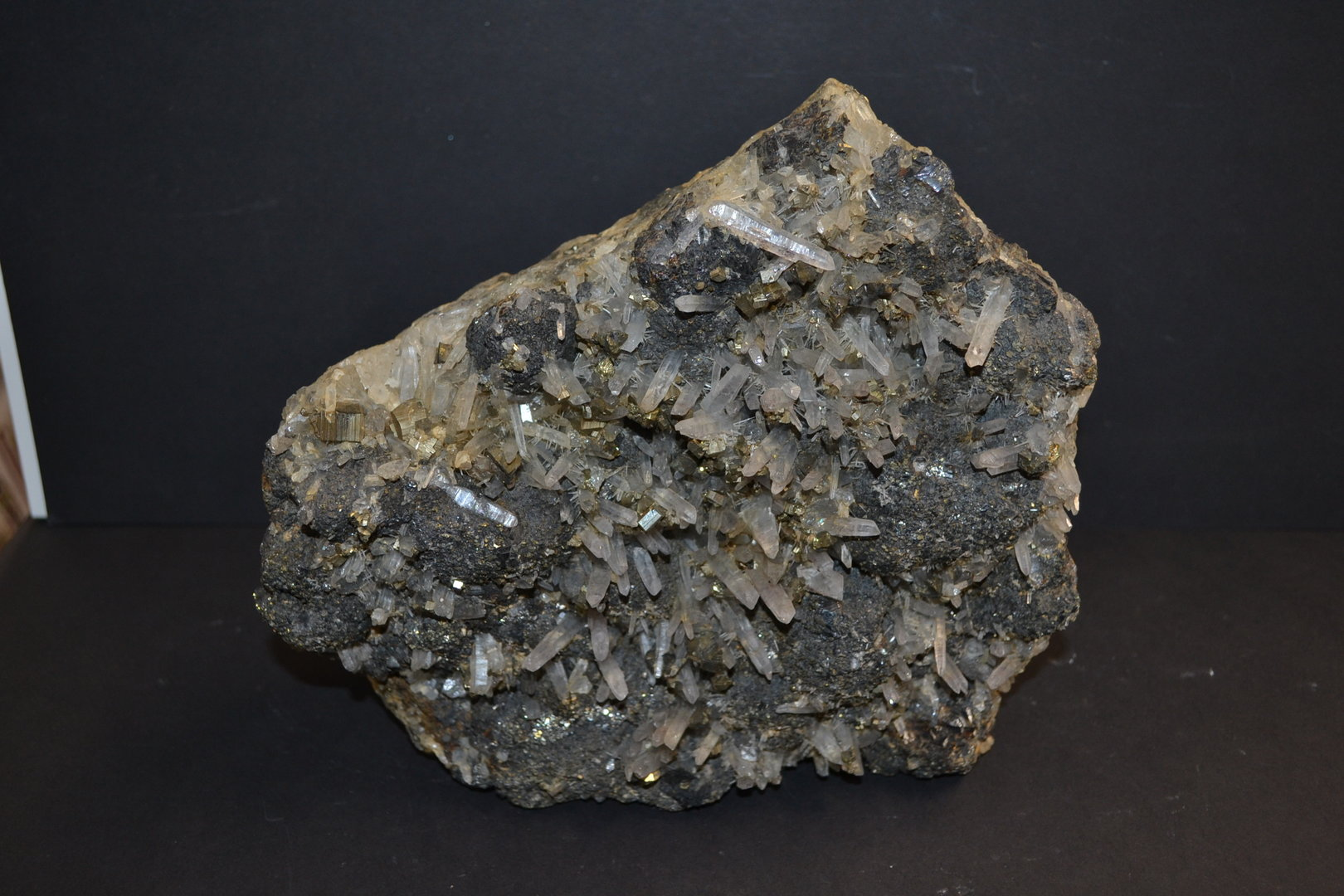 Needle quartz with zinc blende Sphalerit and pyrite